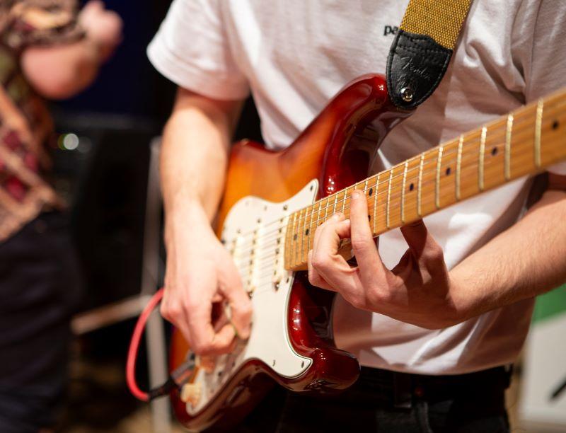 e gitarre Bernhard Brunmair web