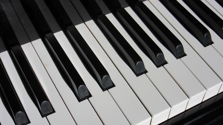 TASTEN Klavier